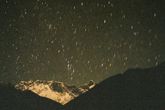 CNV000008 Orshoの星とLhotse.jpg