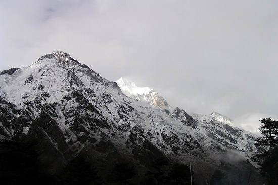 PA250950 新雪の雪山.jpg