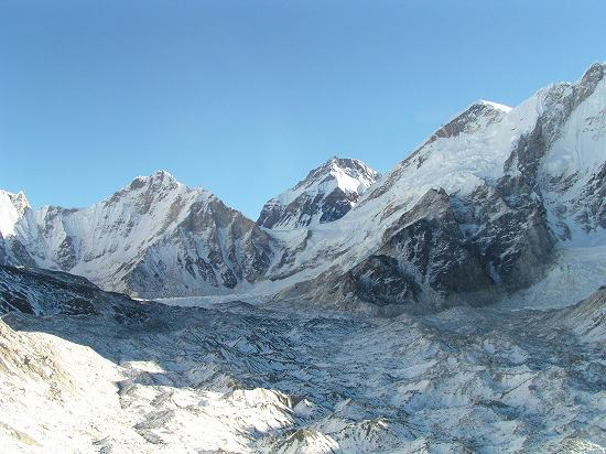 PA281136 クンブー氷河.jpg
