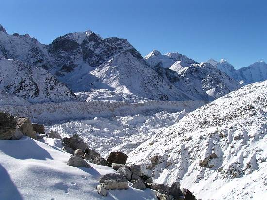 PA281143 クンブー氷河.jpg